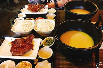 SHIMIAODAO bridge rice noodles let you feel the customs of yunnan